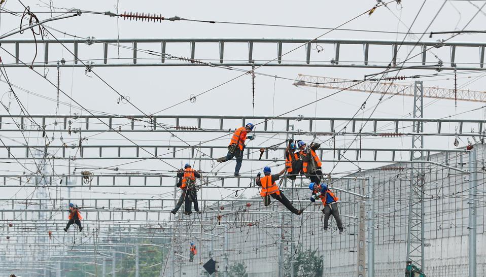 Beijing Fengtai Railway Station Under Reconstruction
