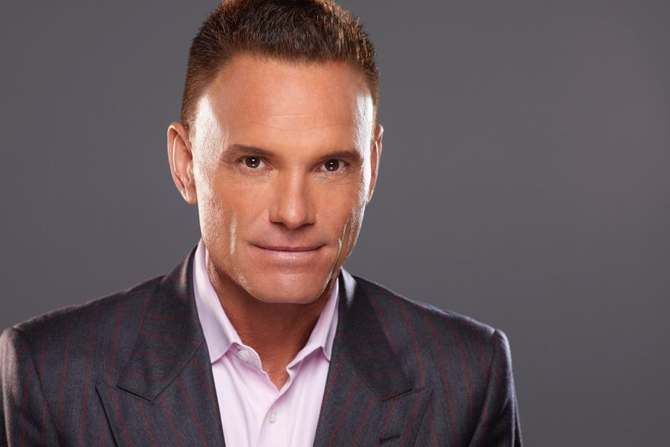 The 64-year old son of father (?) and mother(?) Kevin Harrington in 2021 photo. Kevin Harrington earned a  million dollar salary - leaving the net worth at 450 million in 2021