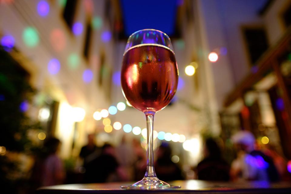 Summer evening in Dresden, rosé wine