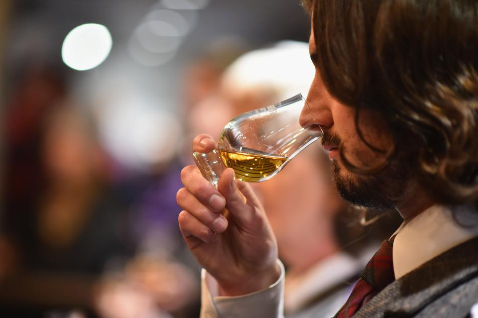 Scotland's Oldest Whisky Distillery Attempts World Record Dram Toasting