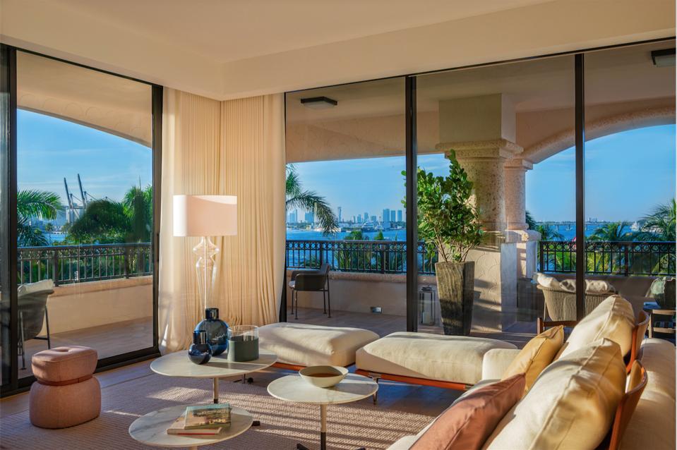 Poltrona Frau, Palazzo Della Luna, Miami, Fisher Island, leather, Italian, interior design