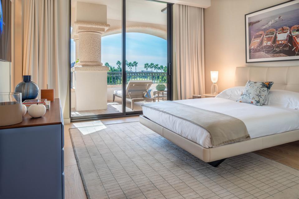 Poltrona Frau, Palazzo Della Luna, Miami, Fisher Island, leather, Italian, interior design, guest bedroom