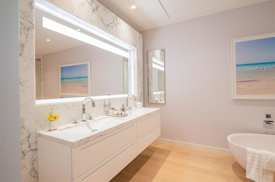 Poltrona Frau, Palazzo Della Luna, Miami, Fisher Island, Margraf statuary marble, design, bathroom