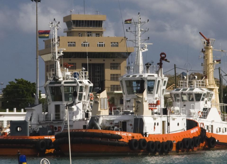 Mauritius, Port Louis, Harbor tugboats
