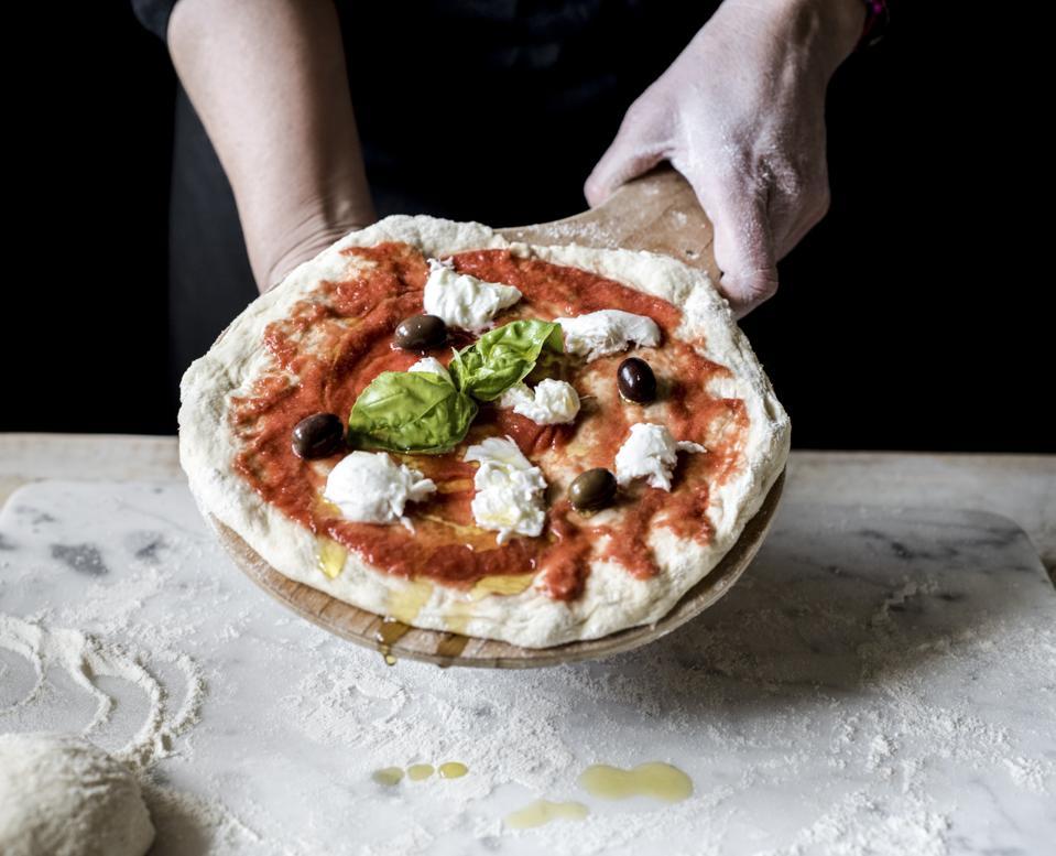 prepare the pizza