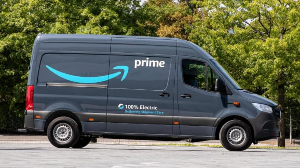 Marcus Breitschwerdt, Head of Mercedes-Benz Vans, commented that he is ″delighted that we are further intensifying our long-standing partnership with Amazon and working together on the battery-electric future of transportation″