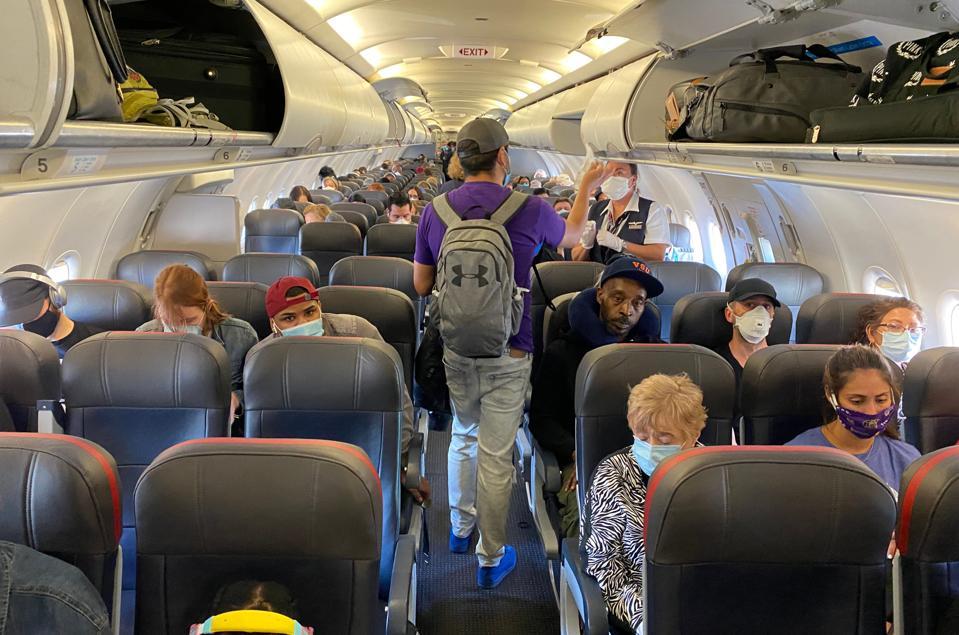 Masks are mandatory on United Airlines flights.