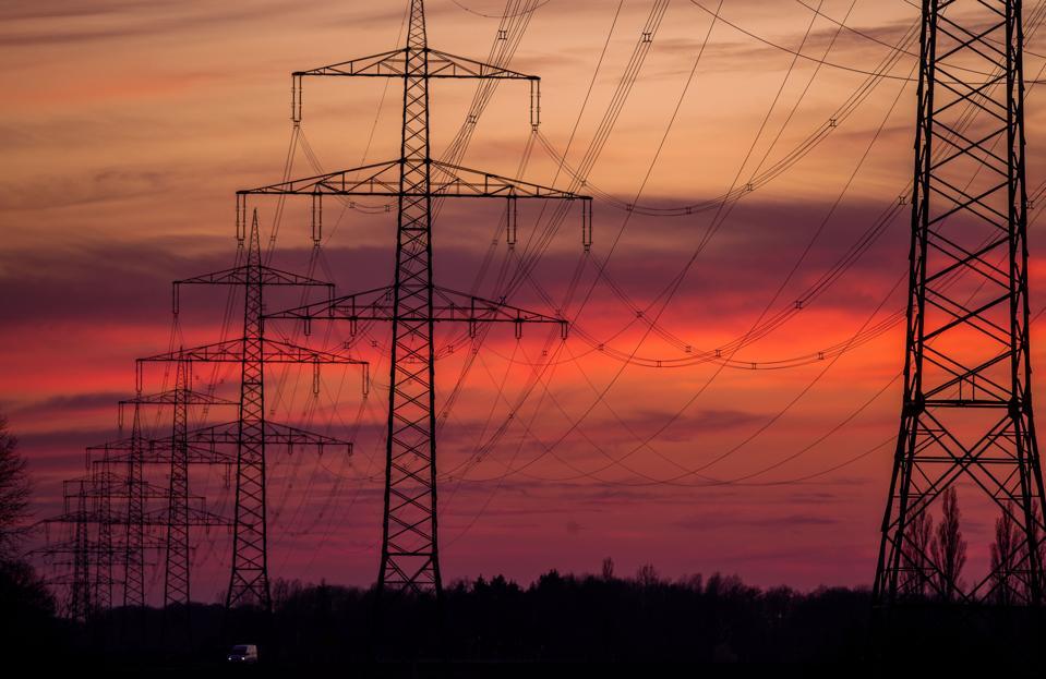 Transmission line for energy