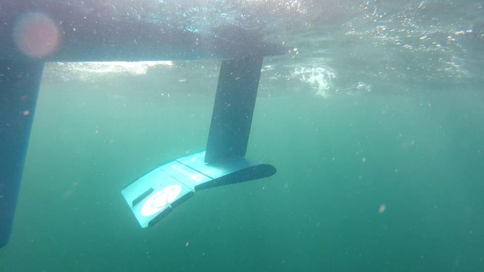 Underwater robot fin