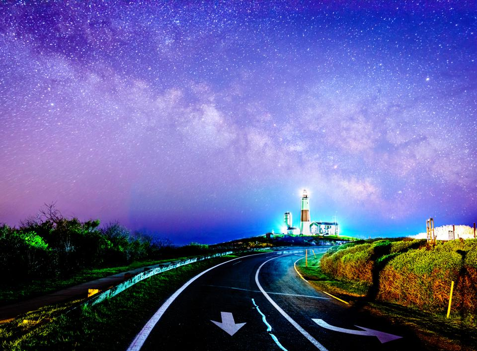 Road to the magic lighthouse