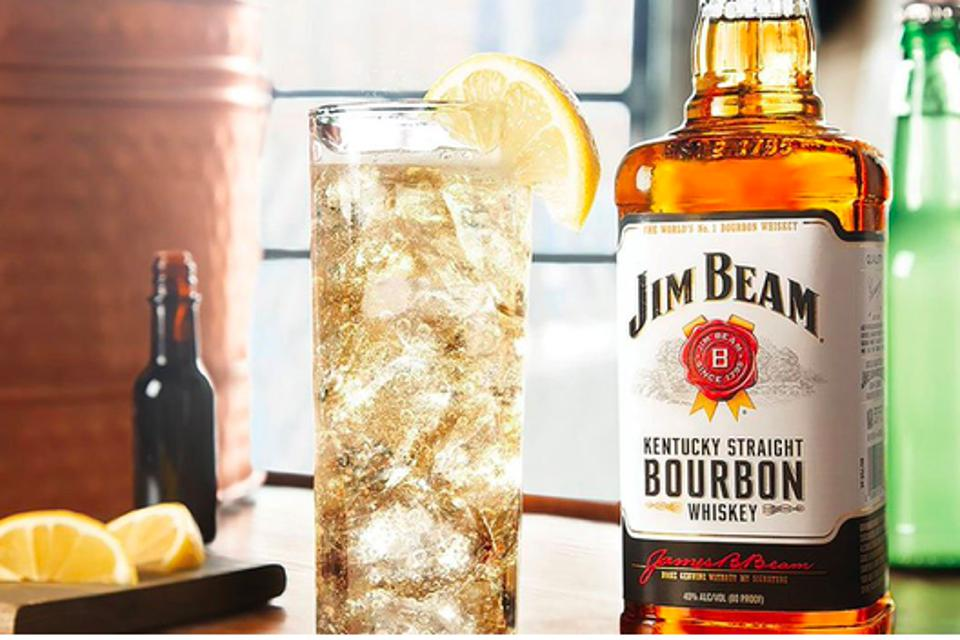 Minibar jim beam and ginger high ball