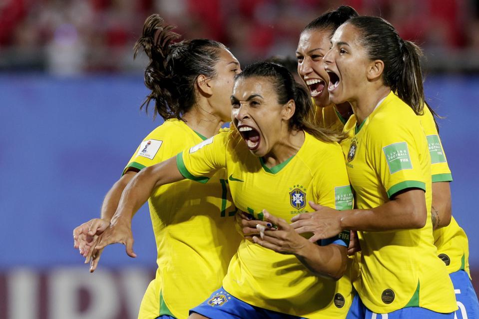 beautiful brazilian babes