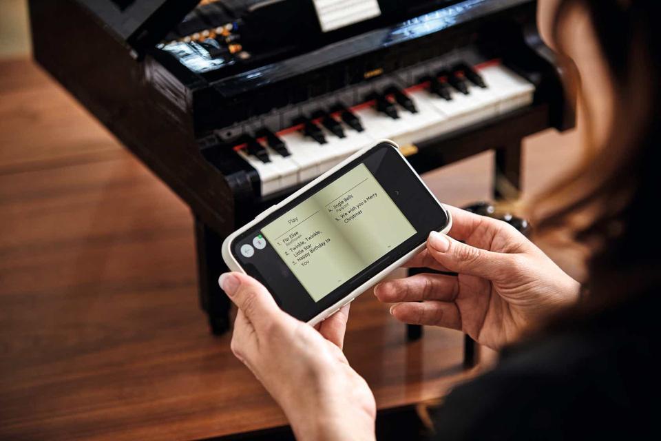 Lego app with Lego Grand Piano