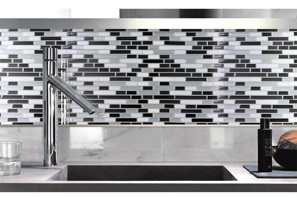 Grey Peel and Stick Tile Backsplash for Kitchen