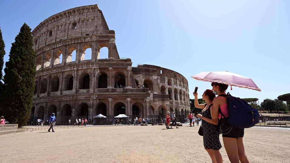 ITALY-HEALTH-VIRUS-LIFESTYLE-TOURISM