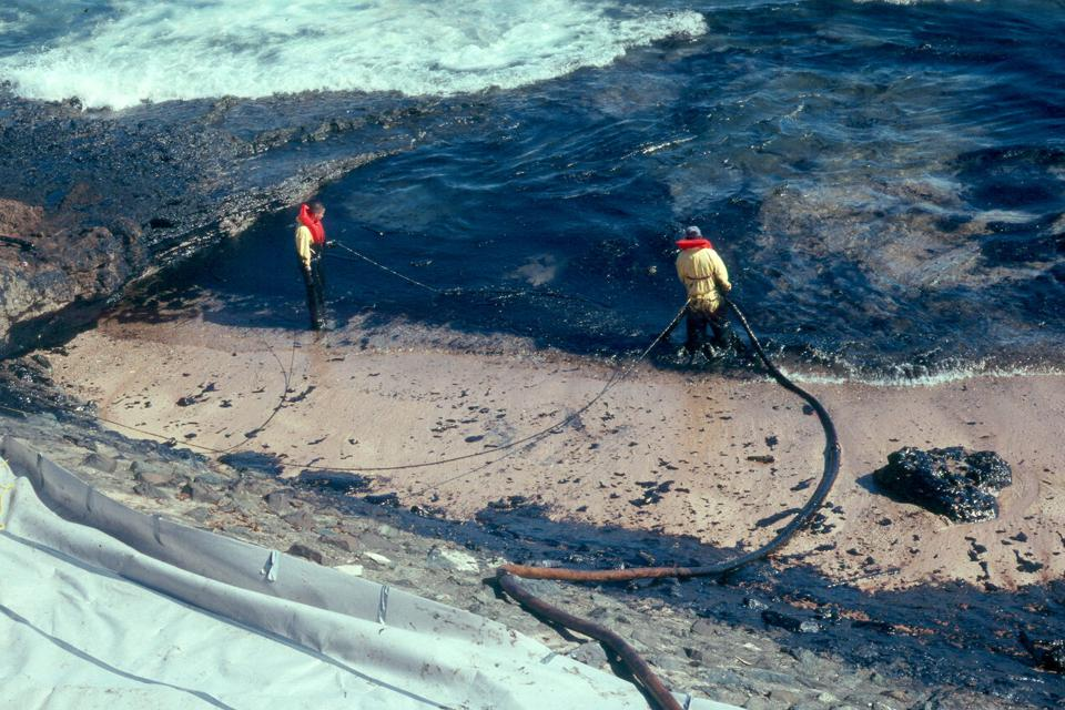 1994: The MJ Berman spill was similar to Mauritius where it involved coral reefs, beaches, mangroves in a tropical environment
