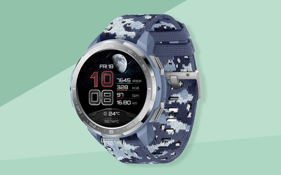A Honor Watch GS Pro promo image with camo strap.