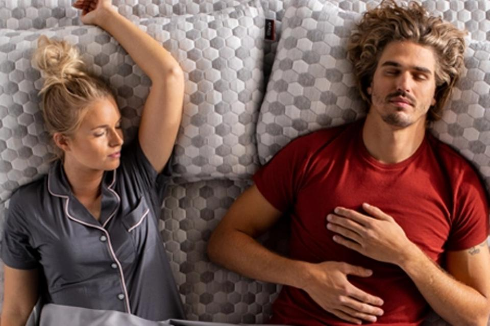 The Best Pillow For Every Sleep Position, Based On Advice From A Doctor