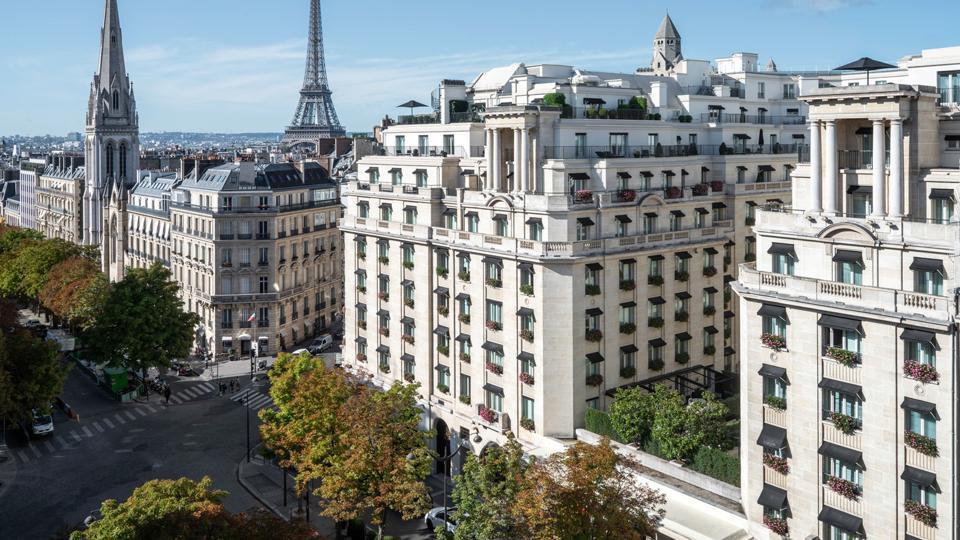 Four Seasons George V, Paris.