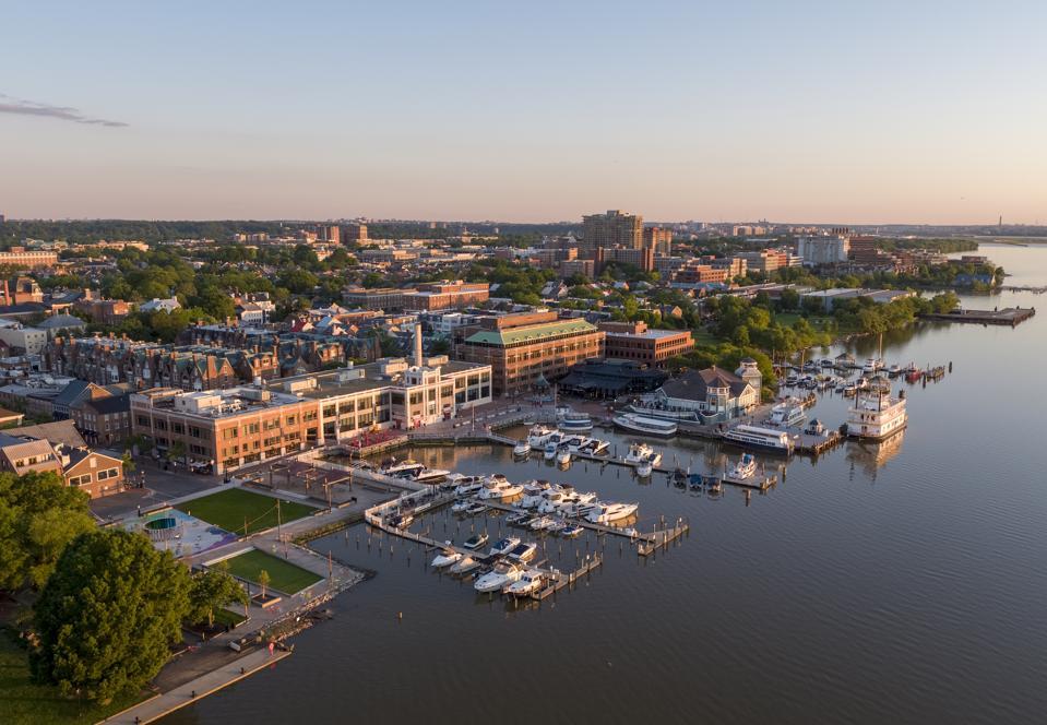 Visit Alexandria Virginia waterfront travel guide tourist hotels