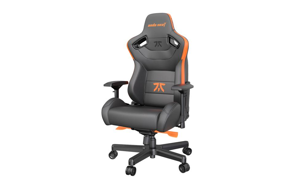 A promo image of the Anda Seat Fnatic Edition.