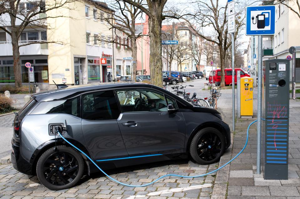 UBER-green-vehicle plans