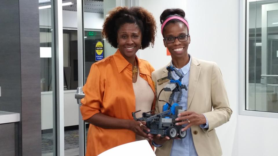 Tanner and Dr. Sandra Vernon-Jackson, Director of the STEM INQ Lab at the University of South Florida - St. Petersburg, collaborated to create a STEM summer program