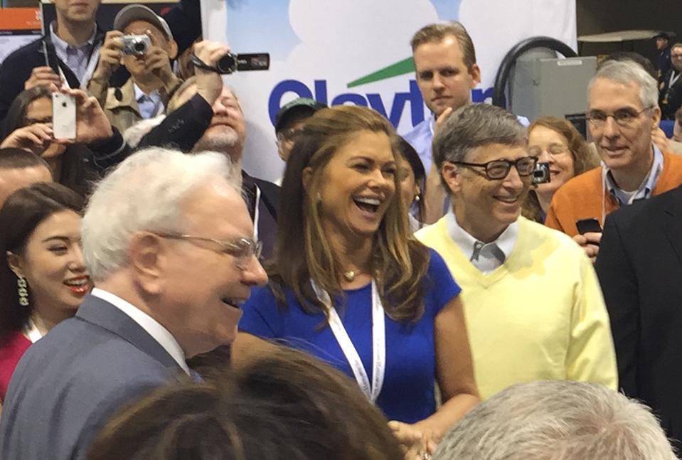 Warren Buffett, Kathy Ireland and Bill Gates