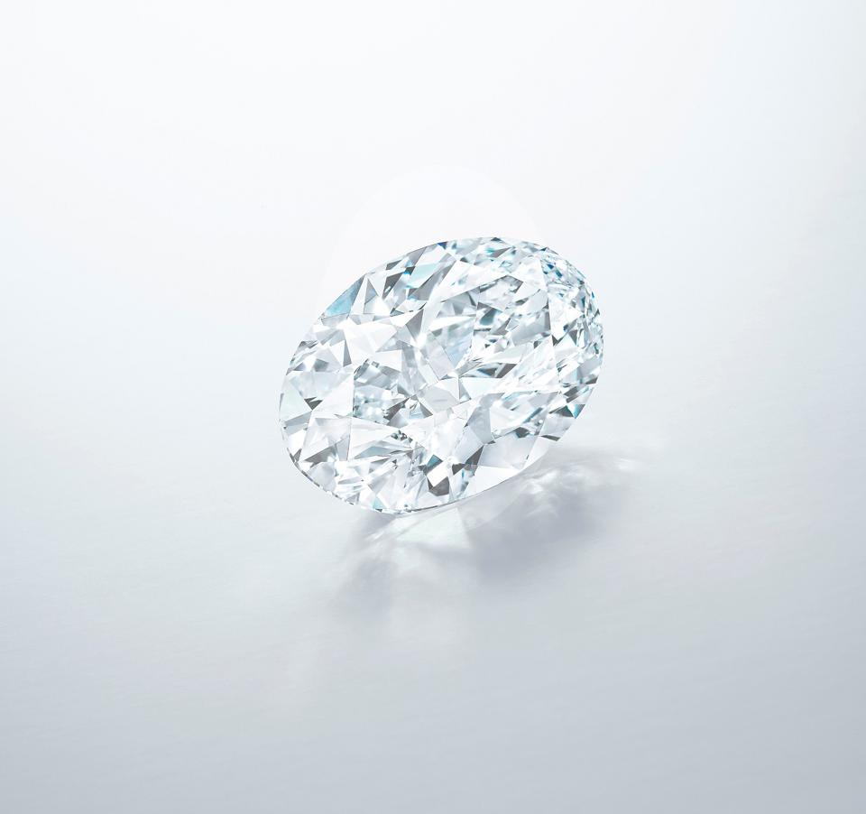 Sotheby's no ha realizado una estimación de este diamante ovalado impecable de 102,39 quilates, color D
