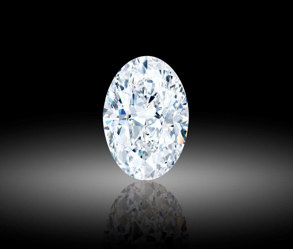 Este diamante impecable D de 102,39 quilates se venderá en una subasta combinada en línea y en vivo