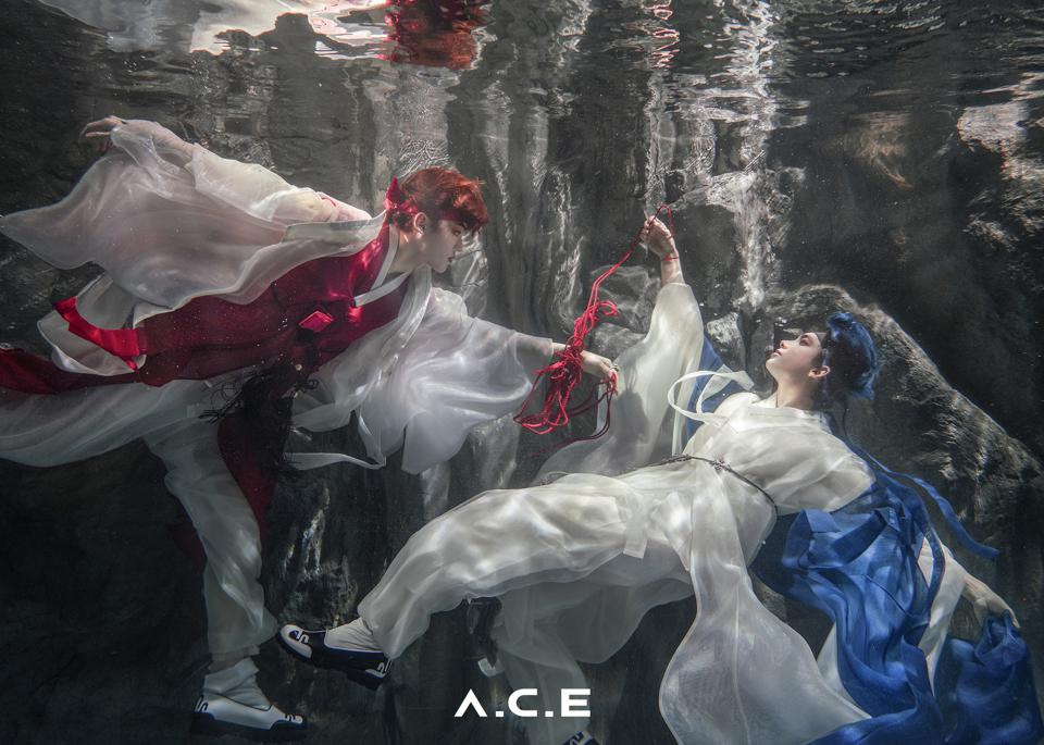 A.C.E 'HJZM : The Butterfly Phantasy' album teaser photo underwater