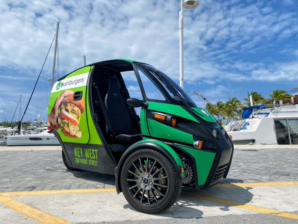 Wahlburgers tests Arcimoto's Deliverator.