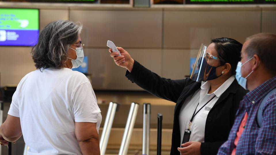 US-HEALTH-VIRUS-TRAVEL-AIRPORT