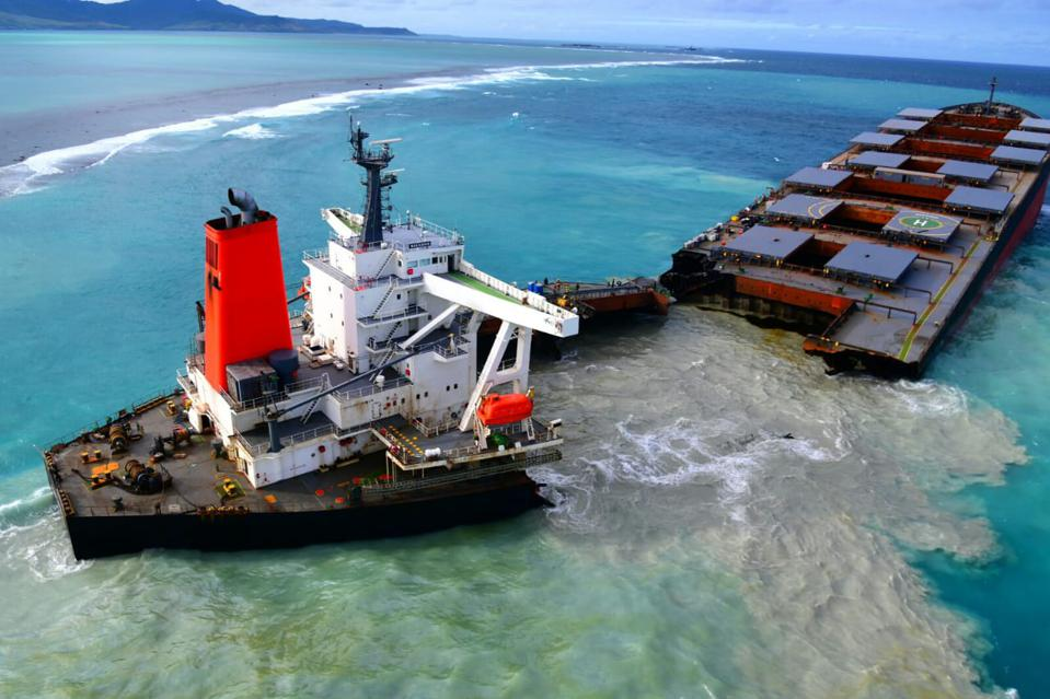 As the Wakashio split in two on 15 August, mysterious sediments and liquids mixed with the normally turquoise blue of Mauritius' coral lagoons in the Indian Ocean.  This was 9 days after oil started gushing out from the stricken vessel.q