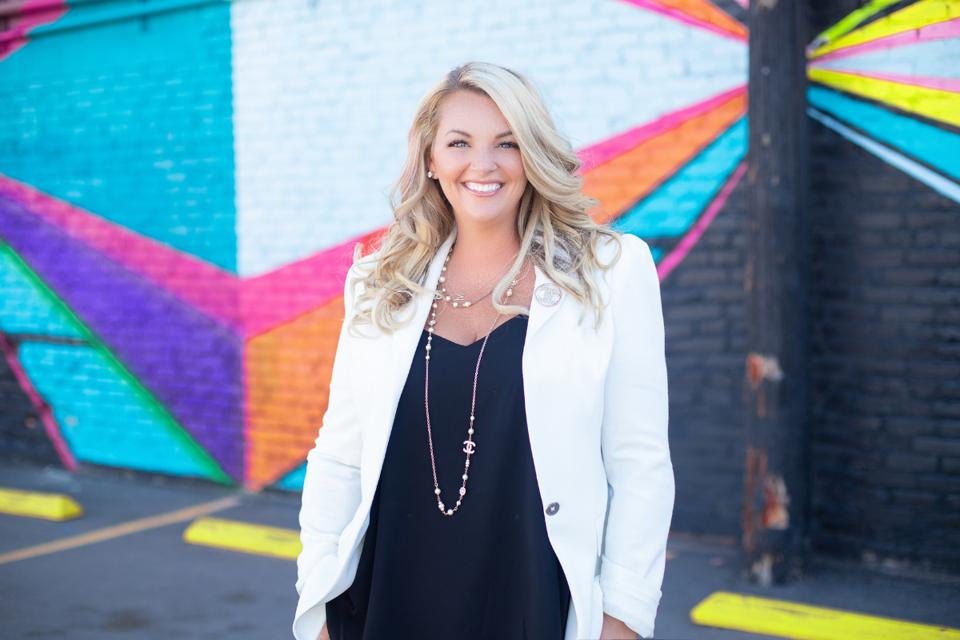 5 Simple Philosophies to Becoming a Successful Entrepreneur | Stephanie Burns