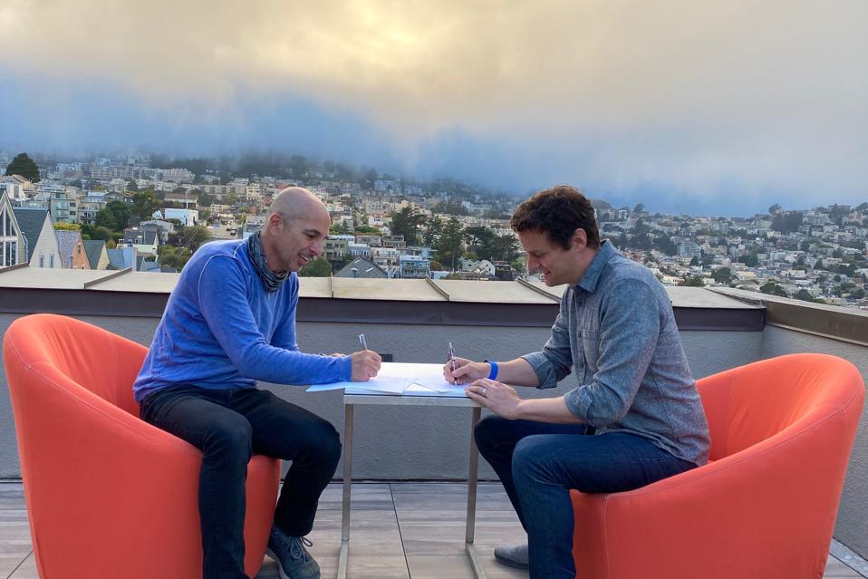 Replicant CEO Gadi Shamia signs term sheet