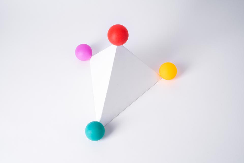 Spheres at the Corner of Pyramid Shape