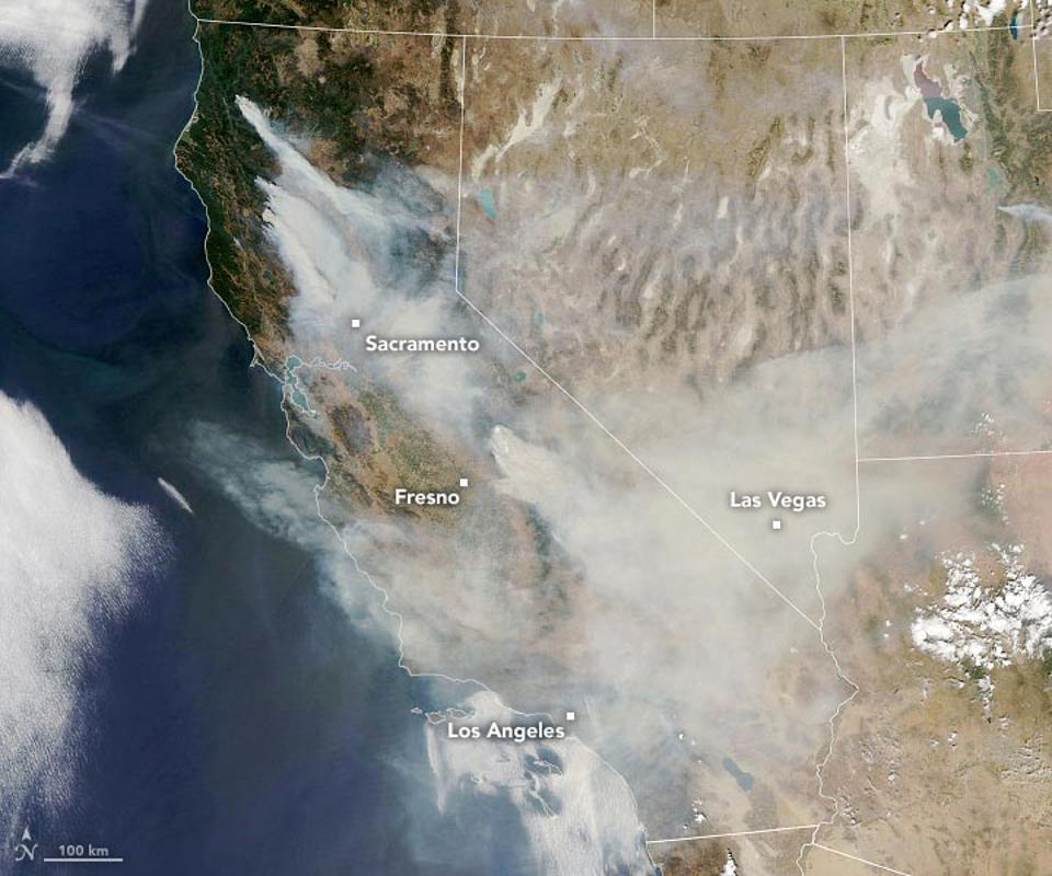 The California fires of September 2020 can be seen in these satellite photos.