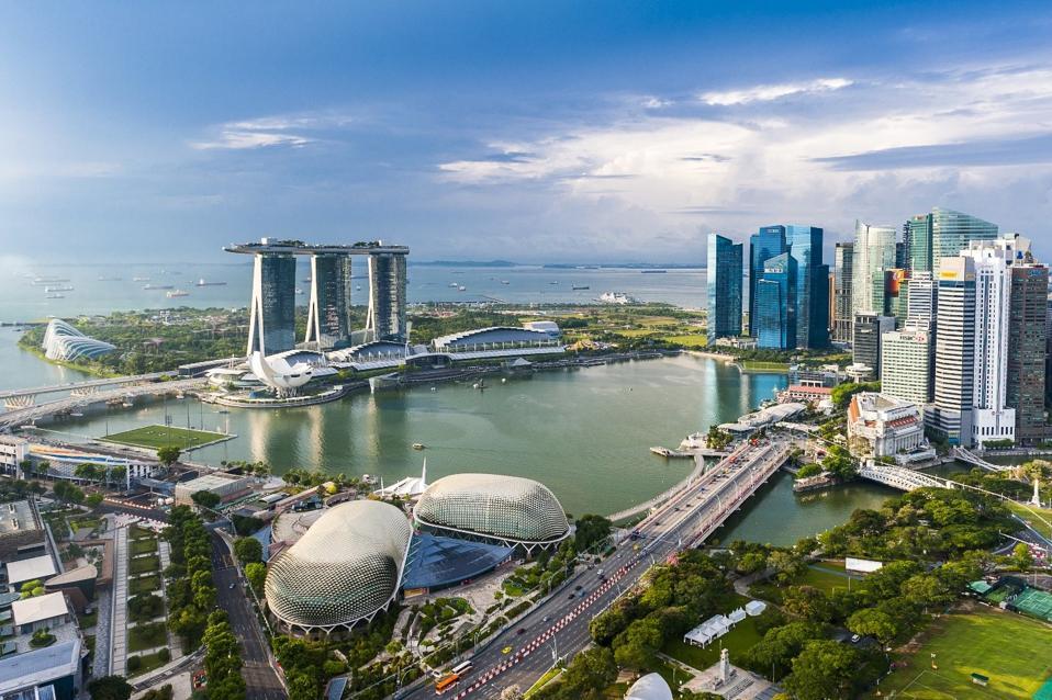 skyline in Singapore's Marina Bay