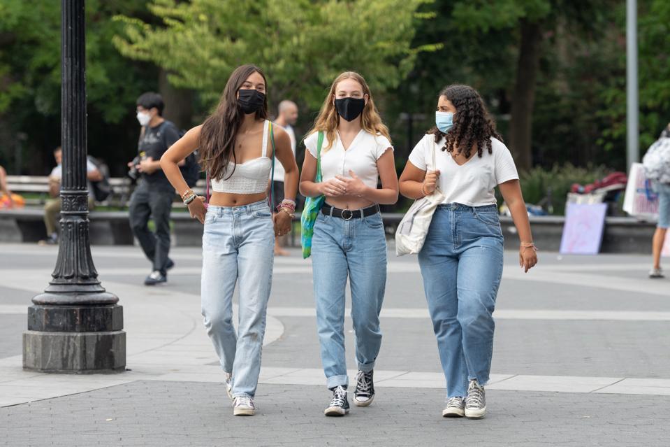 NYU students wearing masks