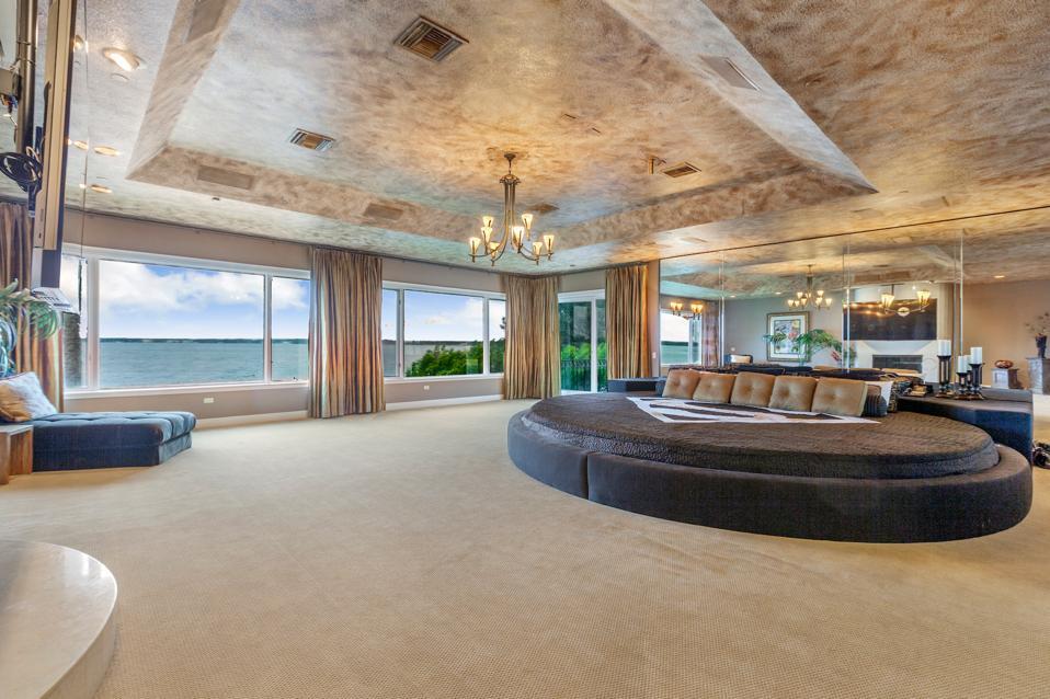 Master bedroom, Shaquille O'Neal, Shaq, Windermere, Florida, Compass, Orlando, Isleworth Golf