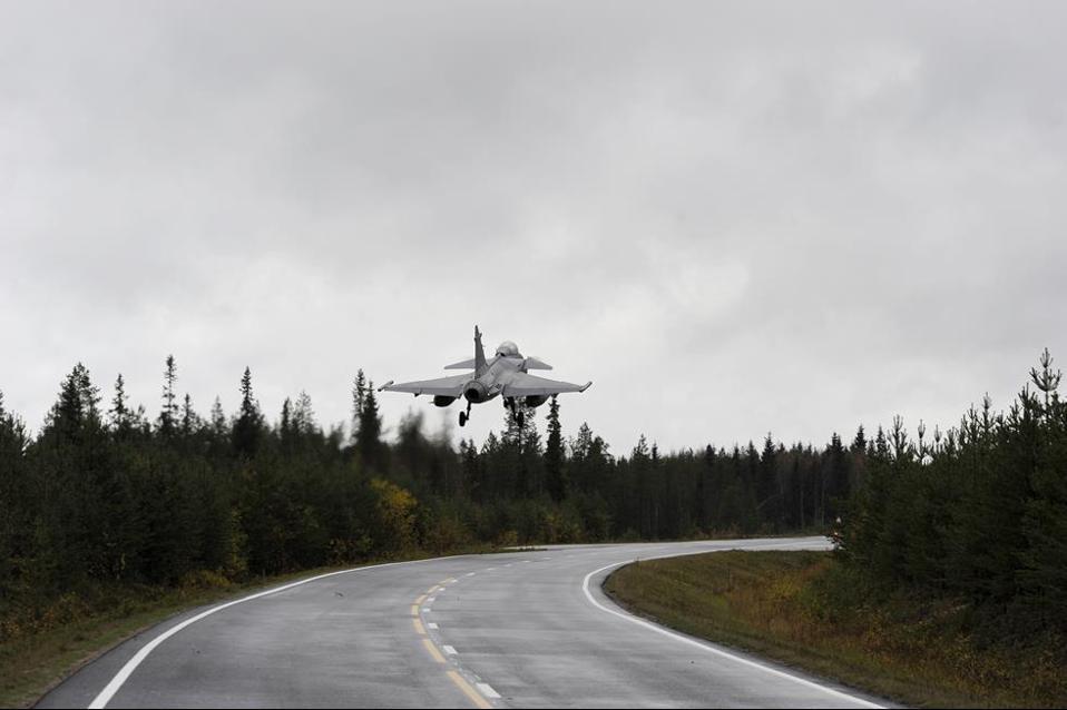 JAS 39 Grippen, Swedish Air Force, Bas 90
