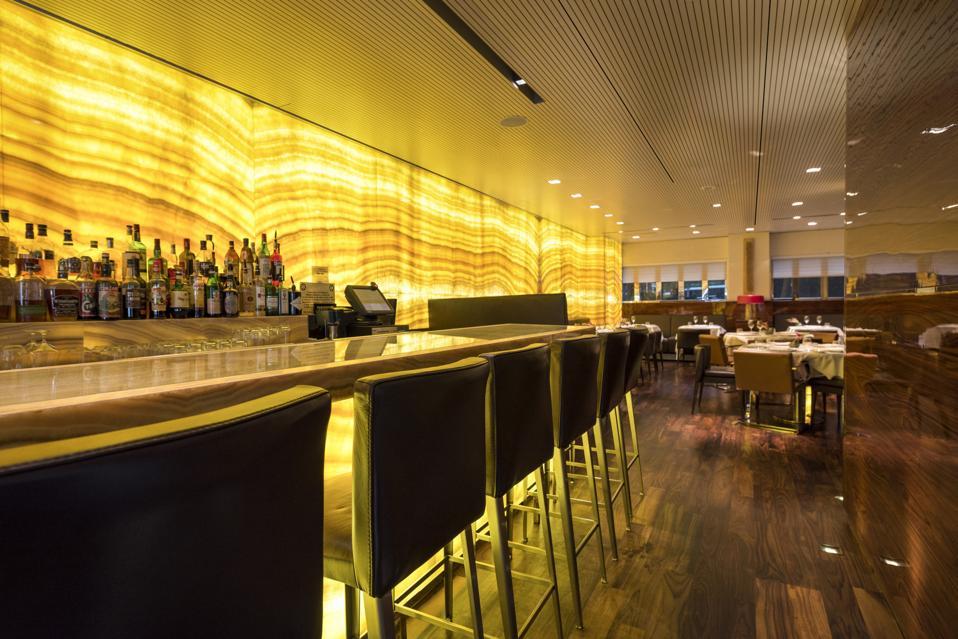 A long striped alabaster bar