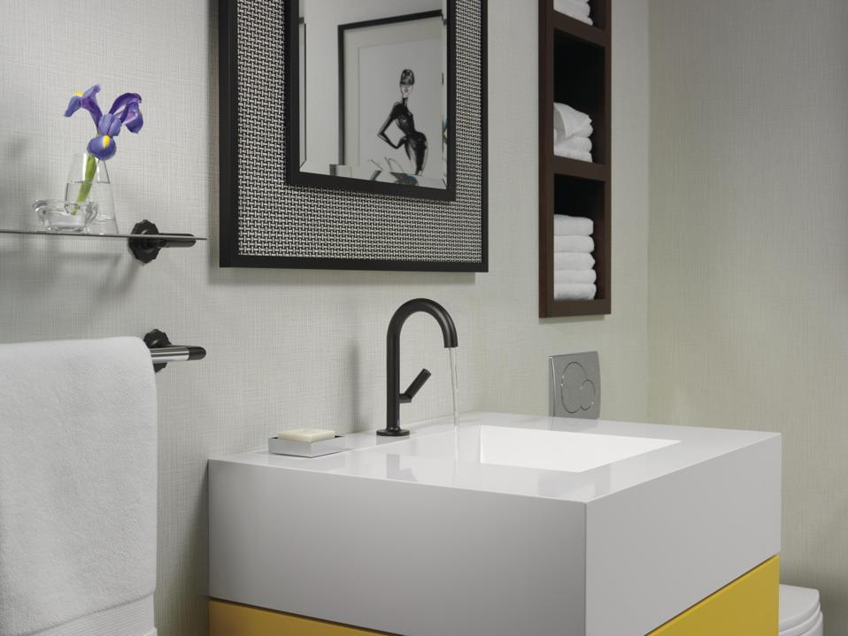 Hands-free bathroom faucet