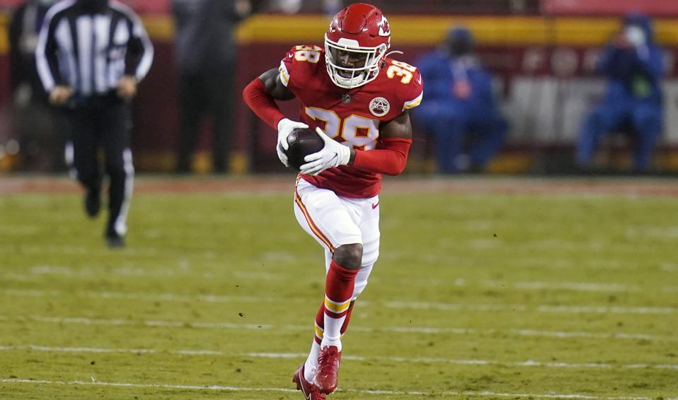 Chiefs cornerback L'Jarius Sneed hauls in his first NFL interception.