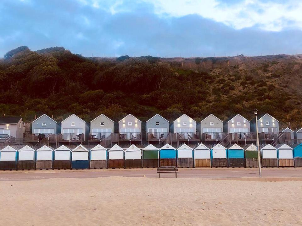 beach huts and beach lodges above