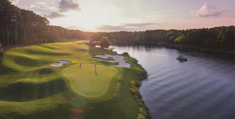 Golf course at Reynolds Lake Oconee