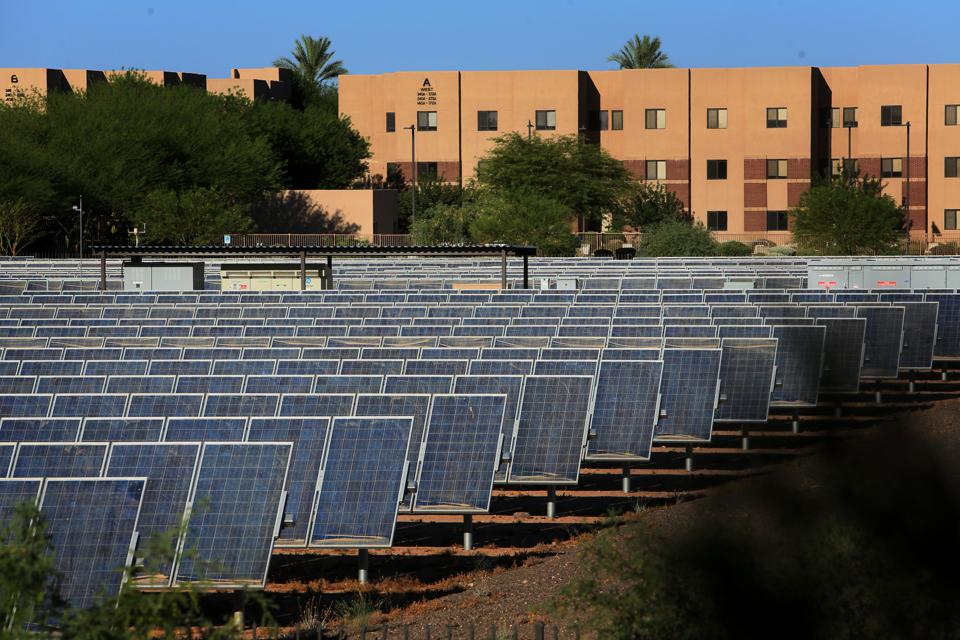 USA: Environment: Home Solar Power in Arizona