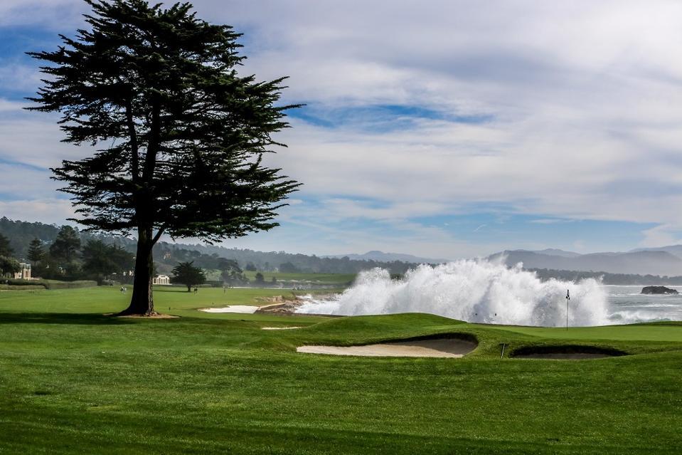 Pebble Beach golf hole 18