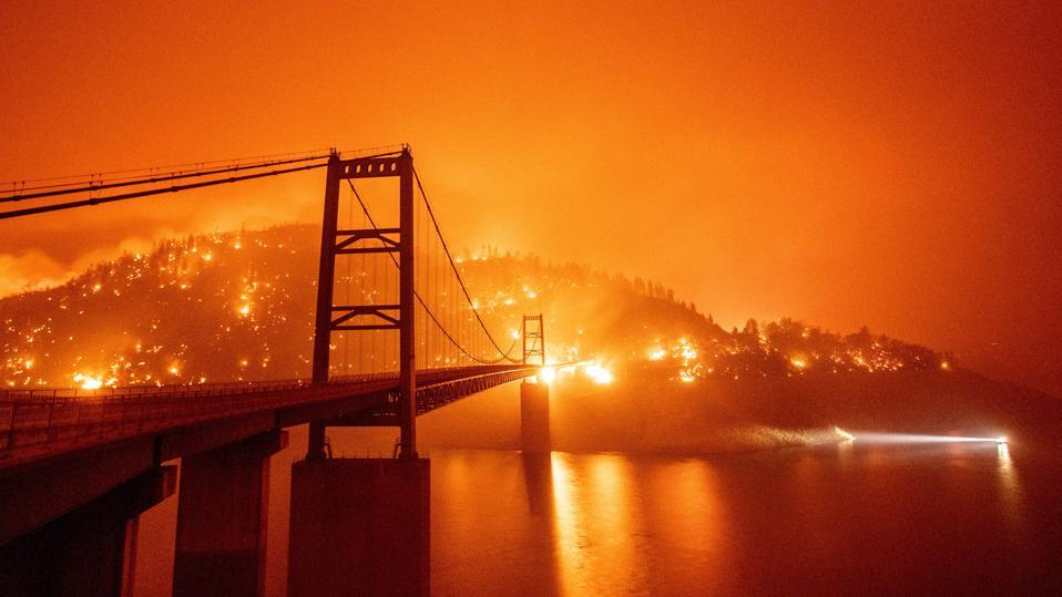 US-WILDFIRES-CALIFORNIA